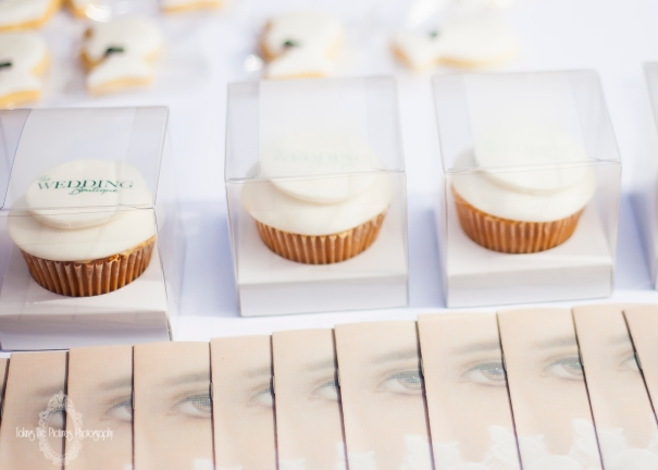 Cup cakes & Show Guide